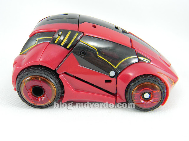 Transformers Cliffjumper Deluxe - Generation War for Cybertron - modo alterno