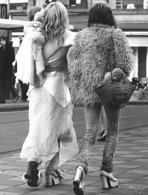 Le Fashion Blog 1970s 70s Street Style Vintage Photos Shag Shaggy Fur Coat Suede Pants Platforms Via Tres Blase