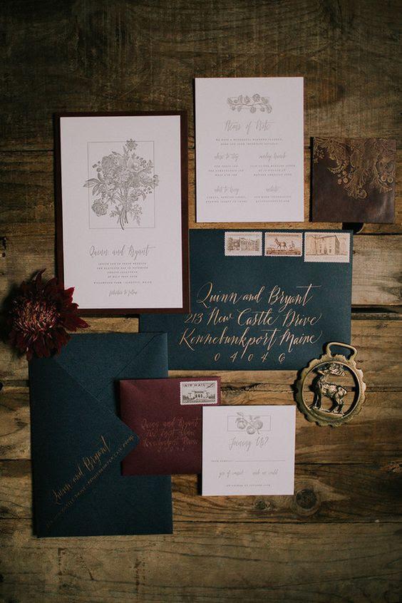 eine vintage-inspirierte winter-Hochzeits-Einladung-suite, in Burgund, Smaragd und gold, die traditionell für Weihnachten
