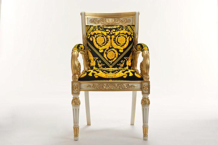 02 Vanitas Armchair por Official Versace