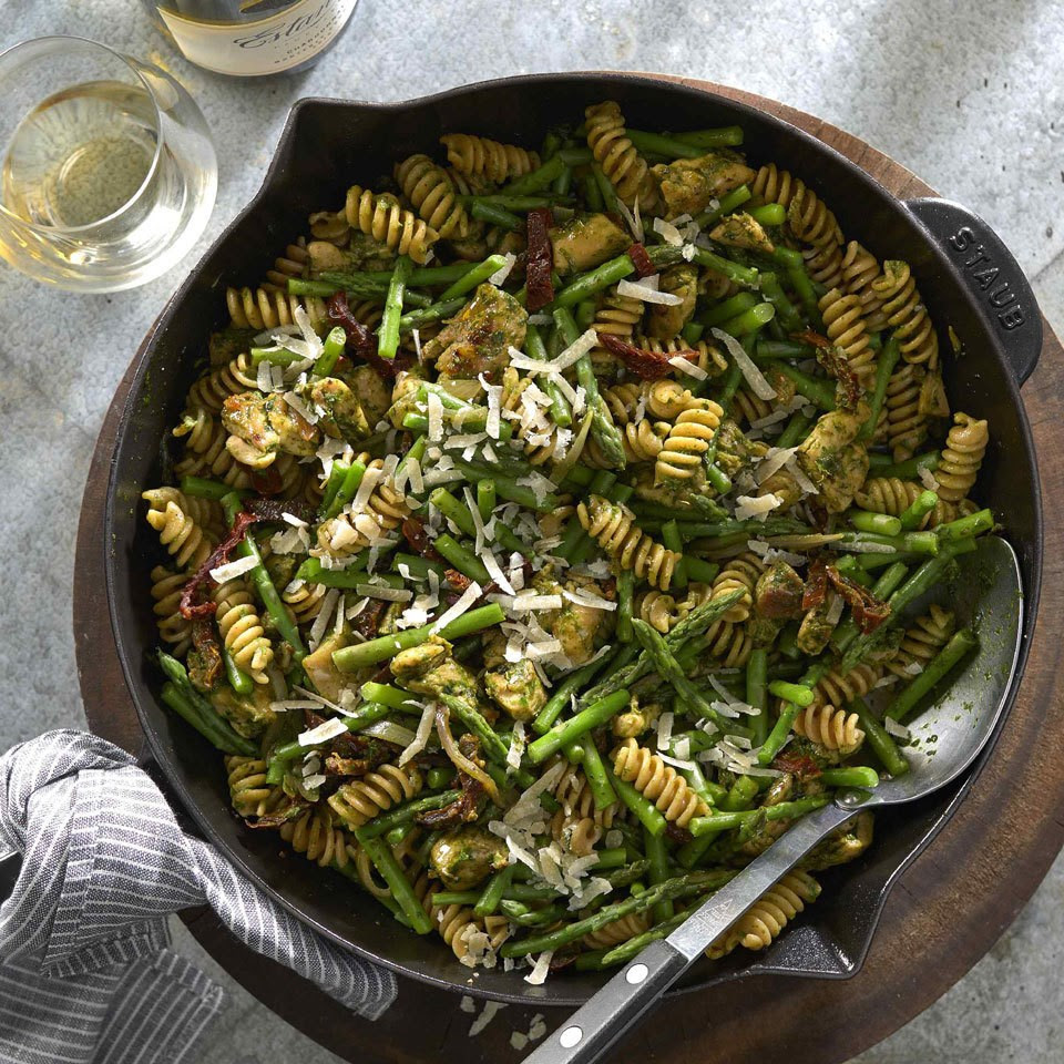 Chicken & Asparagus Skillet Pasta with Pesto