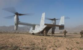 Desembarco desde una aeronave Osprey