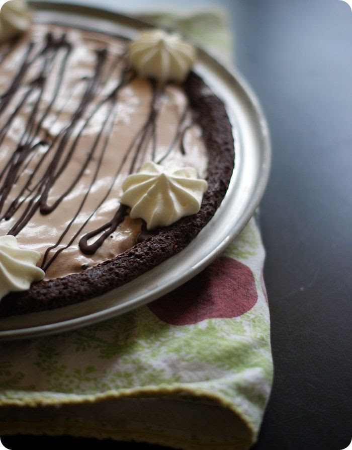 chocolate mint ice cream pie {recipe makes 2!} ::: bake at 350 blog