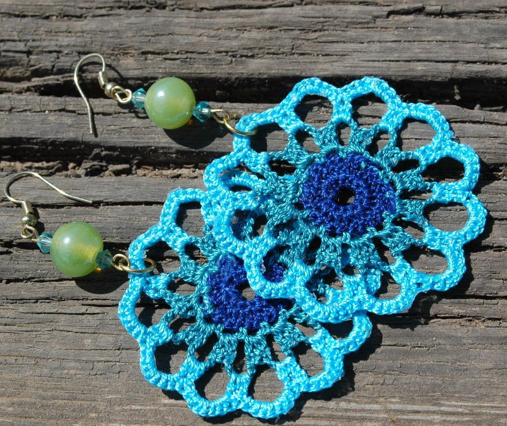 Crocheted Turquoise Earrings - lindapaula