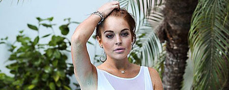 Lindsay Lohan swimsuit do's and don'ts. (AKM-GSI)
