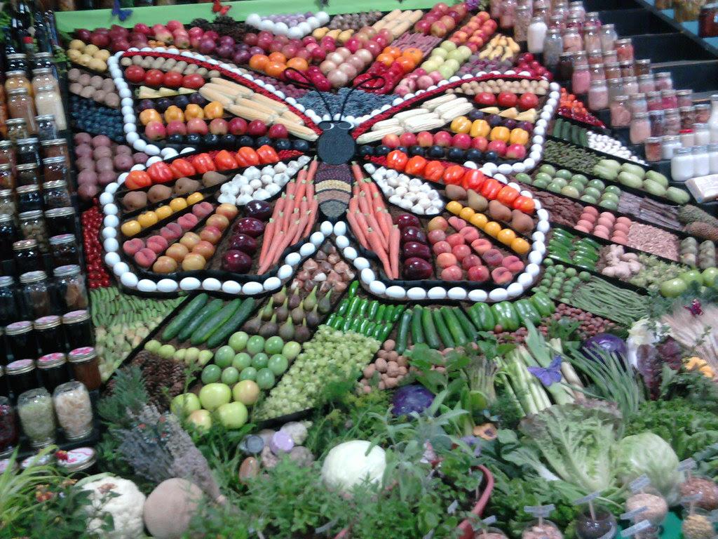 Grange fruit and veggie display