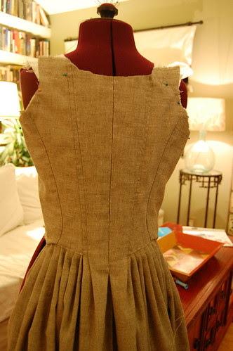 Making a robe a l'anglaise 19