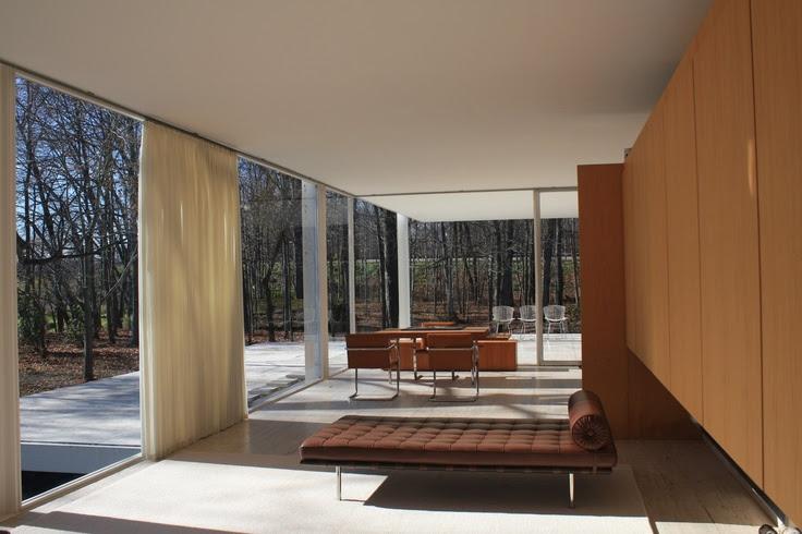 Farnsworth  House // Mies Van Der Rohe