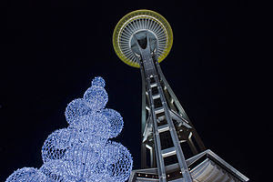 English: Picture of the Space Needle and the m...