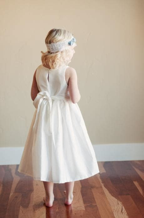 Beautiful flower girl dresses made by hand at reasonable