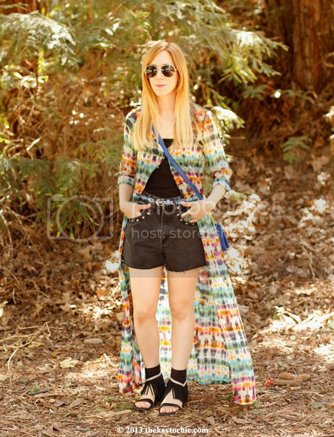 spring music festival style, Zara tie-dye dress, Koolaburra Zola fringe sandals, DIY vintage Levi's, L.A. street style