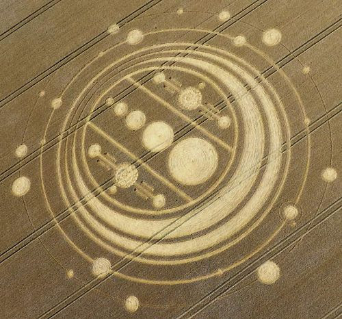 http://www.alienresearchcorp.com/crop-circles/2009/windmill-hill/photos/windmill-hill-crop-circle_02.jpg