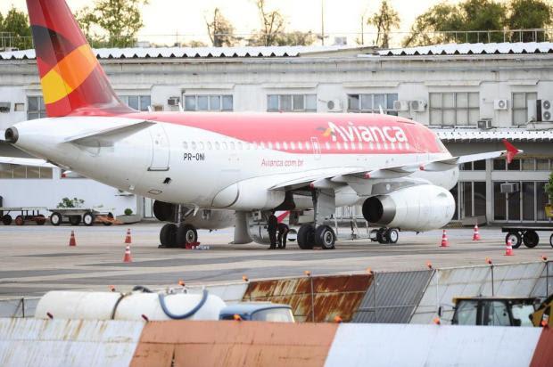 Aeronave tem problema mecânico e faz pouso de emergência no Aeroporto Salgado Filho Mauro Vieira/Agencia RBS
