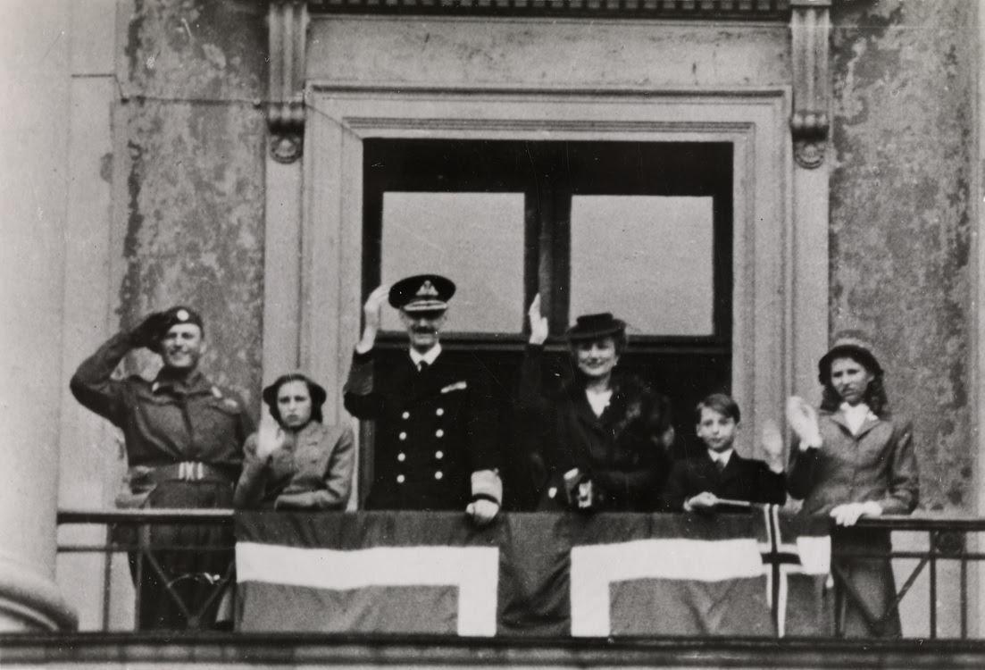 King Haakon returns to Norway after World War II