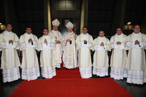 Sete diáconos serão ordenados presbíteros, nesta quinta-feira, na Catedral Metropolitana