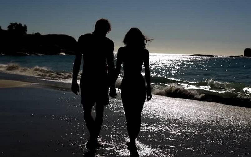 54+ Gambar Kartun Romantis Di Pantai Gratis