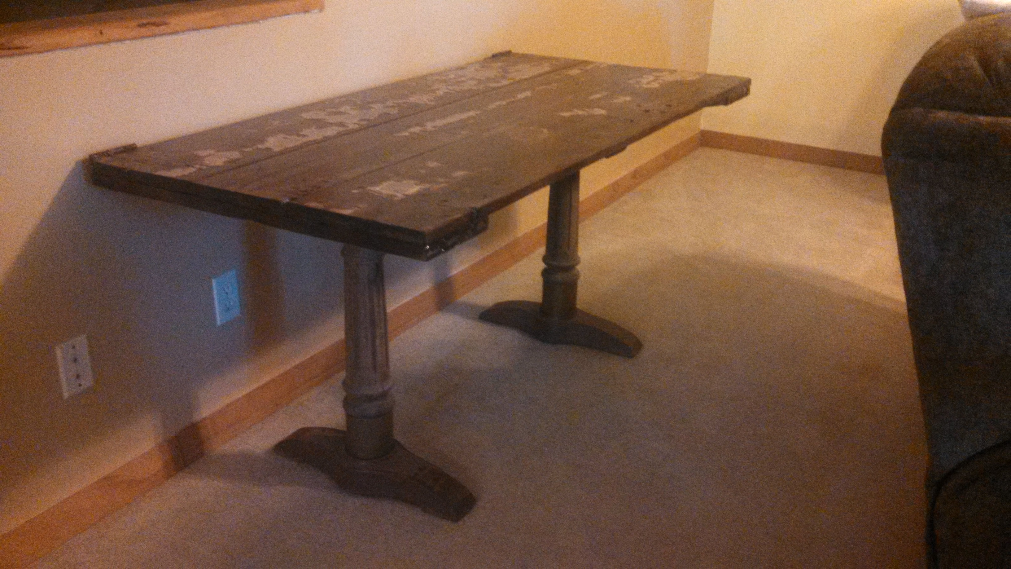 Barn Door Dining Table   3 dawgs unlimited