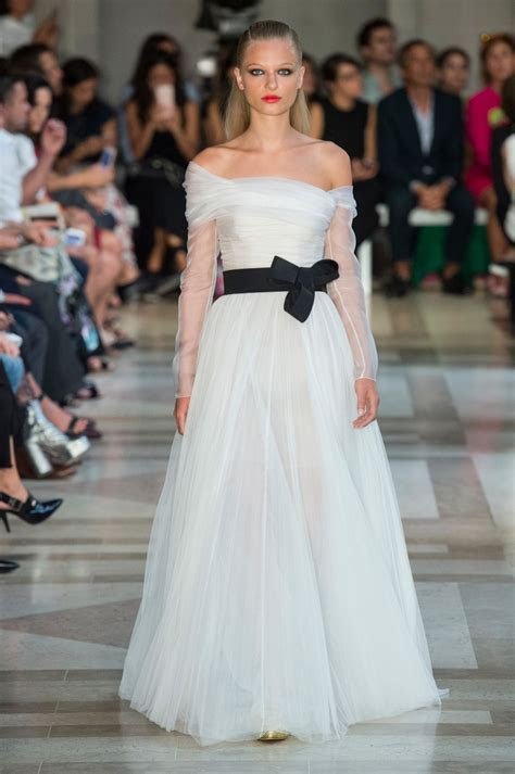 Carolina Herrera, Spring 2017   Wedding Worthy Runway