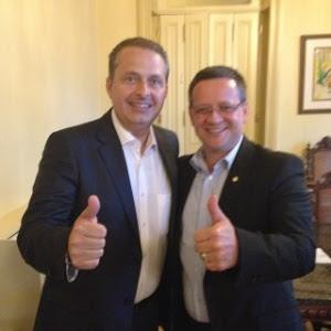 O deputado e líder do PSB na Câmara, Beto Albuquerque (RS) postou uma foto com o presidente nacional do partido e pré-candidato à Presidência da República, Eduardo Campos (PSB-PE)