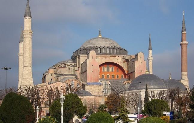 Η απόλυτη πρόκληση: Κάνουν την Αγία Σοφία στην Κωνσταντινούπολη τζαμί;