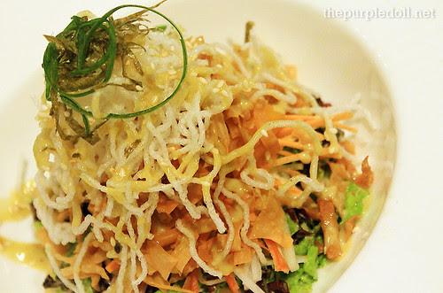 Kani Mango Crunch Salad P200
