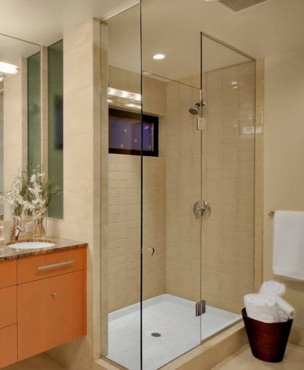 Shower cabin with or without a tray?
