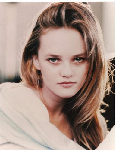 34awea2323 - vanessa-paradis Photo
