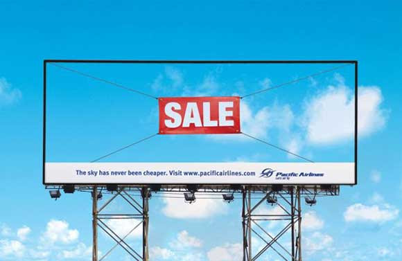Pacific Airlines: Sale billboard ads