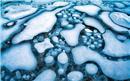 «Παγωμένες φυσαλίδες» σε λίμνη