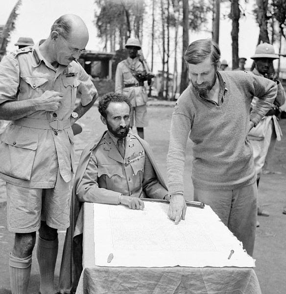 File:Haile Selassie, Emperor of Abyssinia, with Brigadier Daniel Arthur Sandford (left) and Colonel Wingate (right) in Dambacha Fort, after it had been captured, 15 April 1941. E2462.jpg