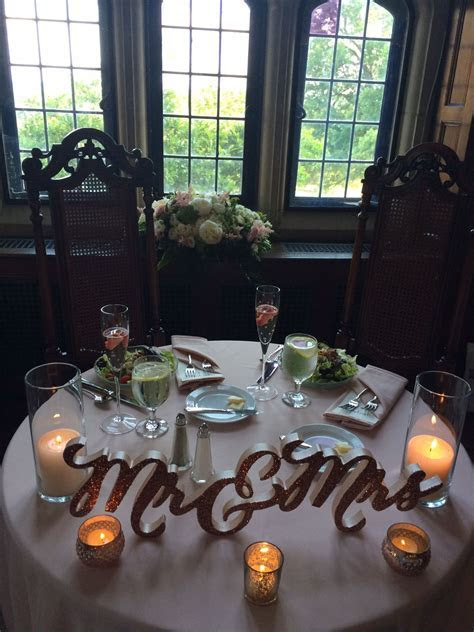 Connected Mr & Mrs Table Sign   Wedding Decor & Photo