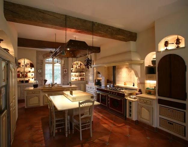 Mobili su misura arredamenti su misura di qualit cucine for Interni case rustiche