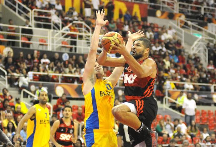Olivinha, Flamengo X Maccabi, copa intercontinental de Basquete (Foto: André Durão)
