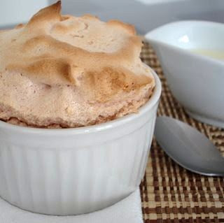 Guava soufflé with catupiry sauce