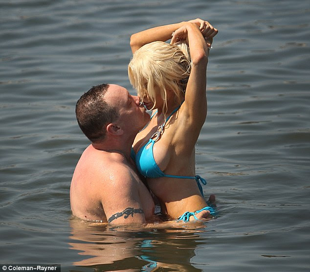Why hot Courtney Stodden is trending today?