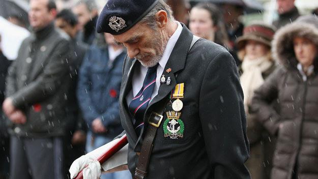 Veteran soldier observes silence