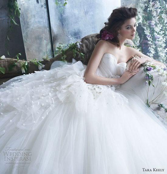 Wedding Dress Collection: Vera Wang Fall 2013 Bridal