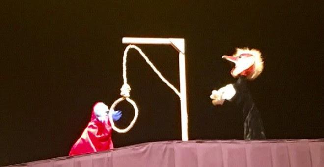 Un momento de la representación de la 'Bruja y Don Cristóbal'.- Twitter Teatro del Barrio