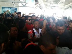 Jogadores do Flamengo foram ovacionados pelos torcedores (Foto: Bruno Alves)