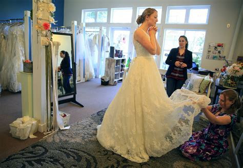 Growing number of brides say yes to a consignment wedding