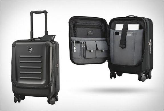 VICTORINOX SPECTRA DUAL-ACCESS CARRY-ON | Image