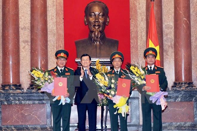 Hình ảnh Thăng hàm Thượng tướng cho 3 sĩ quan Quân đội số 1