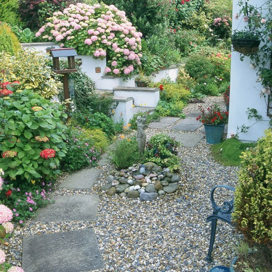 Front garden with gravel | Gardens | Front garden designs | PHOTO GALLERY | Housetohome.co.uk