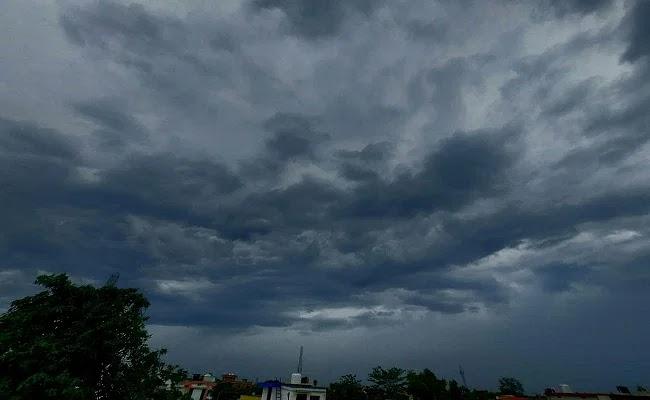 बिहार में बारिश और ठनका को लेकर अलर्ट जारी, नवंबर से पहले ही दस्तक दे सकता है कोहरा