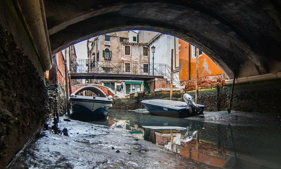 venice dry canals, no water in venice canals
