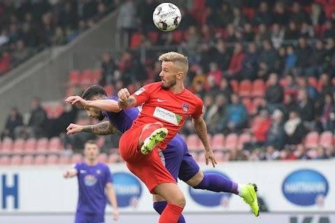 Niklas Dorsch : Niklas Dorsch / And his team is going to play their next match on.