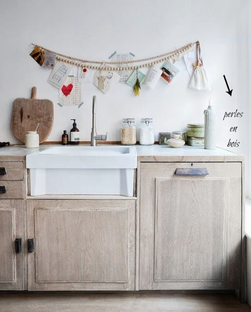 Love the wooden bead garland...