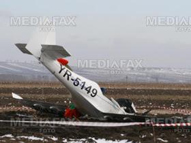 Avionul prăbuşit la Siminicea va fi dus într-un hangar al Aeroclubului Suceava