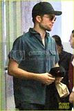 photo robert-pattinson-keeps-a-low-profile-in-beverly-hills-04_zpscbyrfgw4.jpg