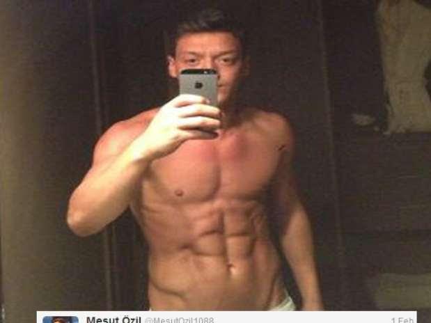 Six-pack Mesut, Pre-Super Bowl selling on social media